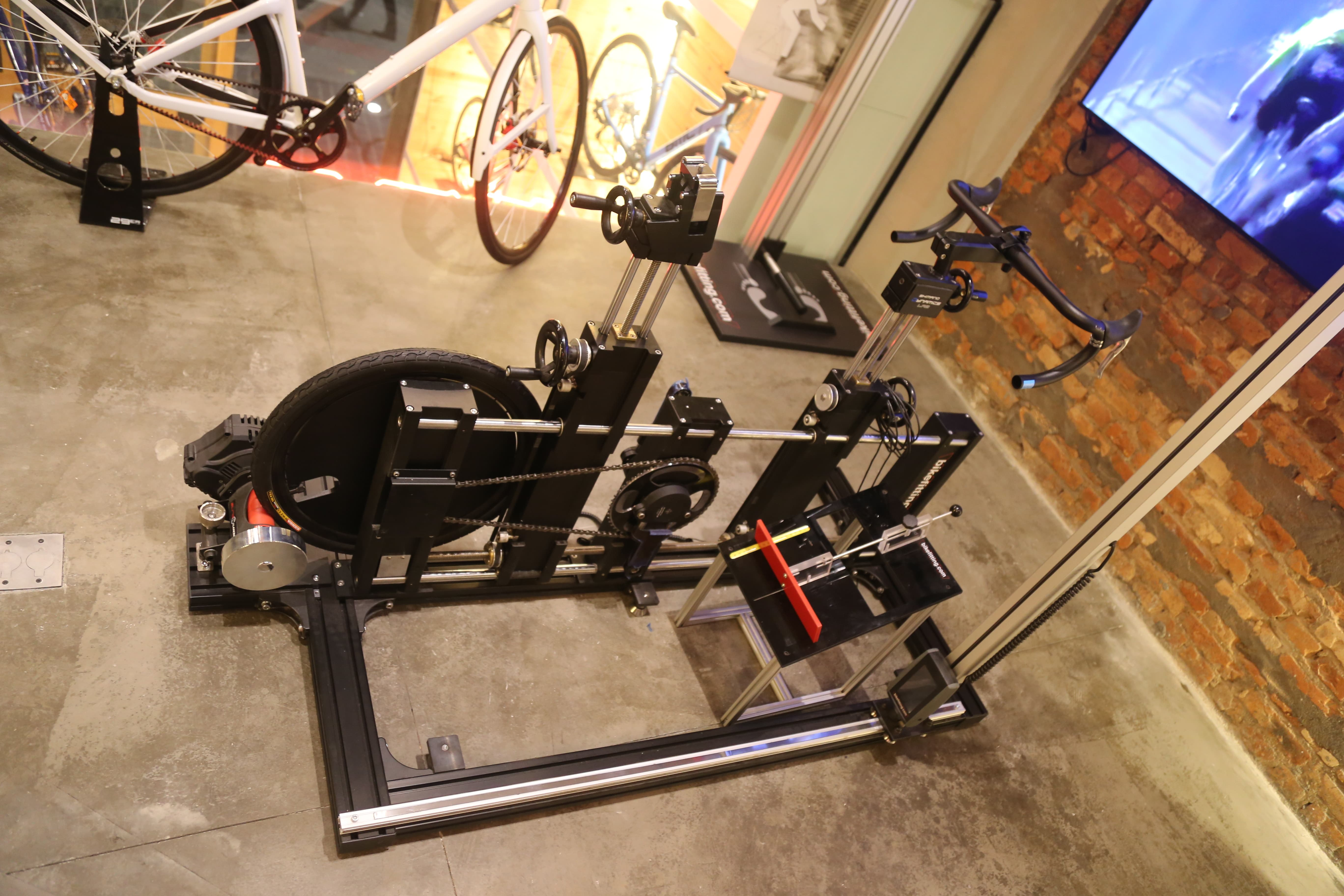 Bike Fit exposto na loja da Bicicletaria Faria Lima
