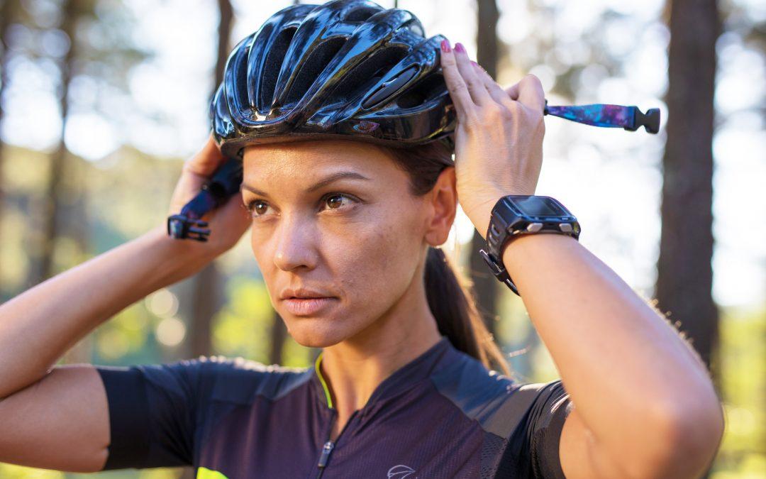 Pedalar com capacete: equipamento garante maior segurança com sua bicicleta