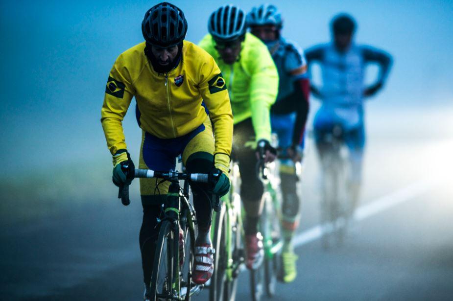 Pedalar no frio: veja dicas para encarar as baixas temperaturas com sua bicicleta