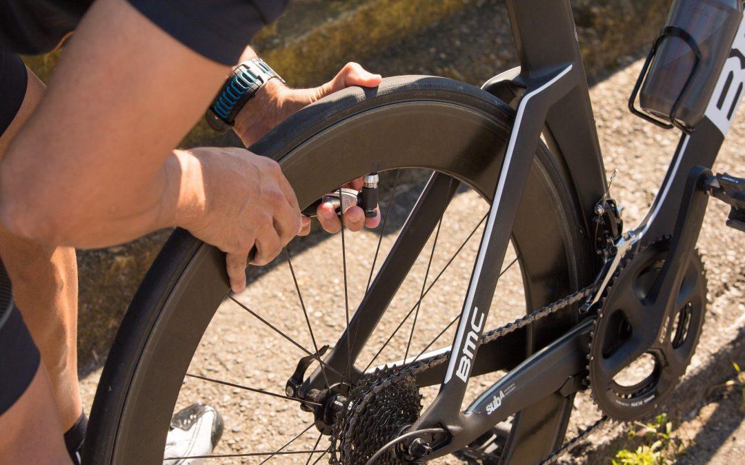 Pressão dos pneus da bicicleta: acerte para ter a melhor performance